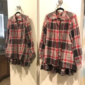 FREE PEOPLE Oversized Button-up Plaid Shirt